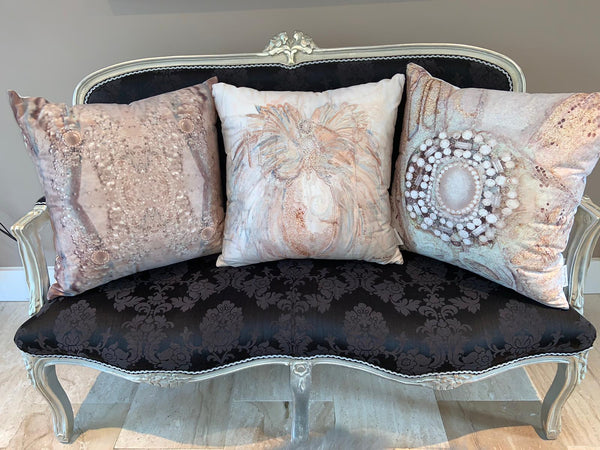 Fabric Guide For Throw Cushions and Pillows