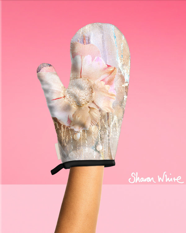 Sharon White Art Oven Glove Lightness of Being Collection Protected