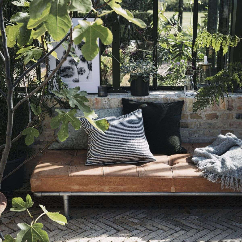 DAYBED, ADDITION