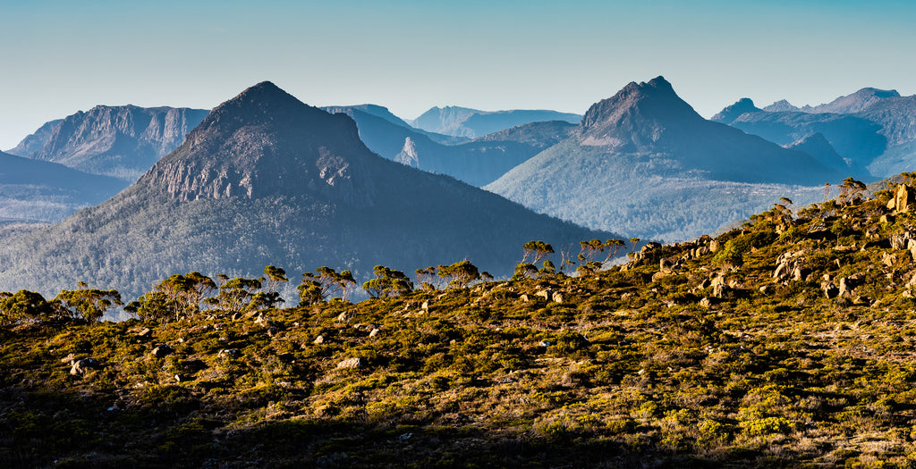 Mountains of Tasmania. By Geoff Murray