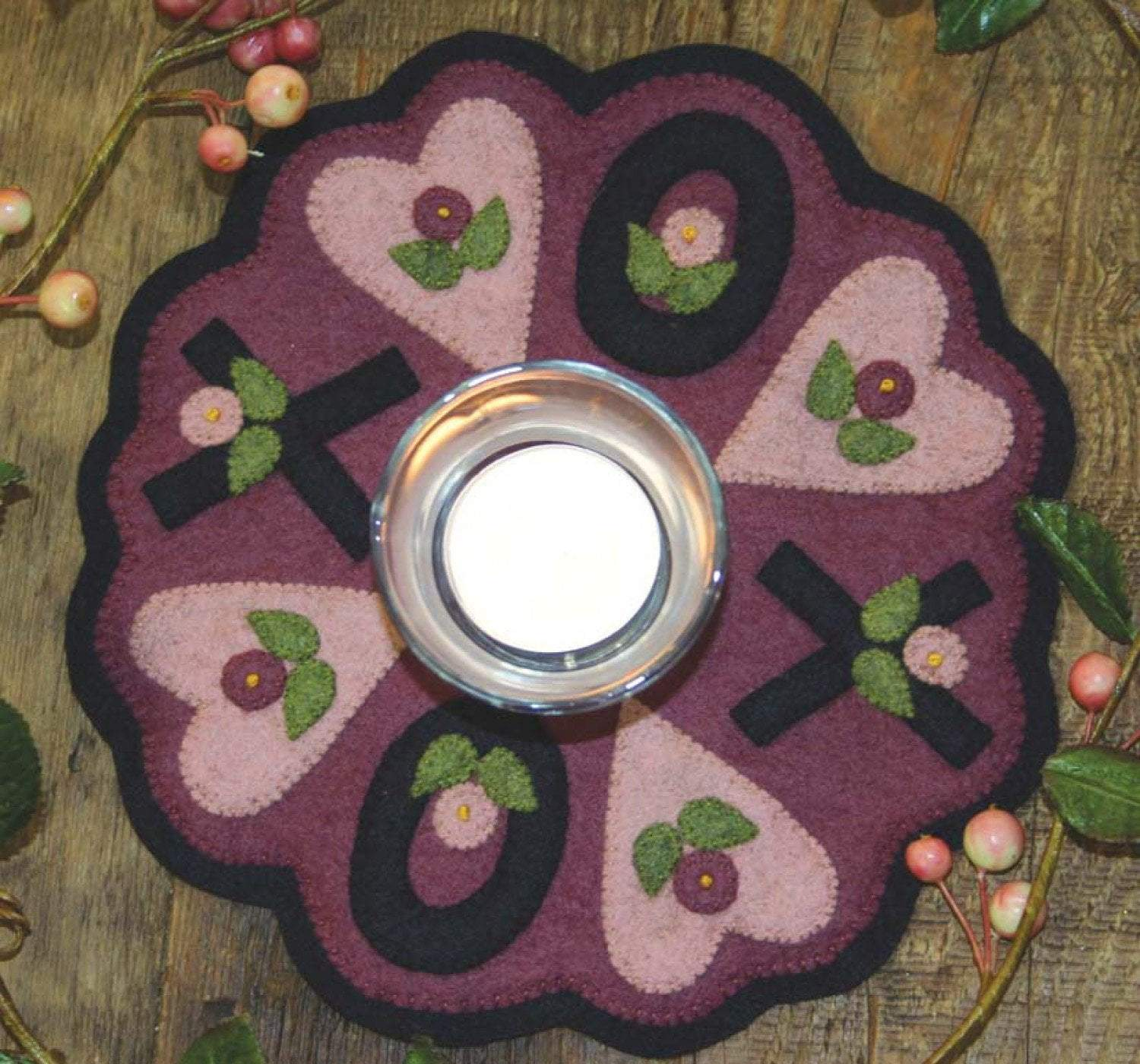 Little Stitchies Wool Felt PATTERN- X's & O's Candle Mat or table topper - Bareroots by Barri Sue Gaudet - Primitive - hearts - RebsFabStash