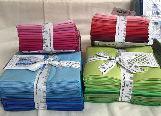 "U-Pick - MODA Bella Solids Fat Quarter bundles (18"" x 21"") 12 shades in each! Reds, Blues, Greens, or Pinks! Free pattern included! - RebsFabStash"