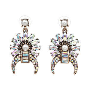 Elizabeth Glam Stud Earrings