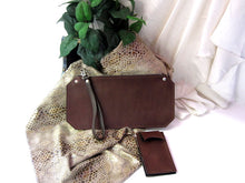 Leather Tablet/I-Pad Ladies' Wristlet Clutch Antlia