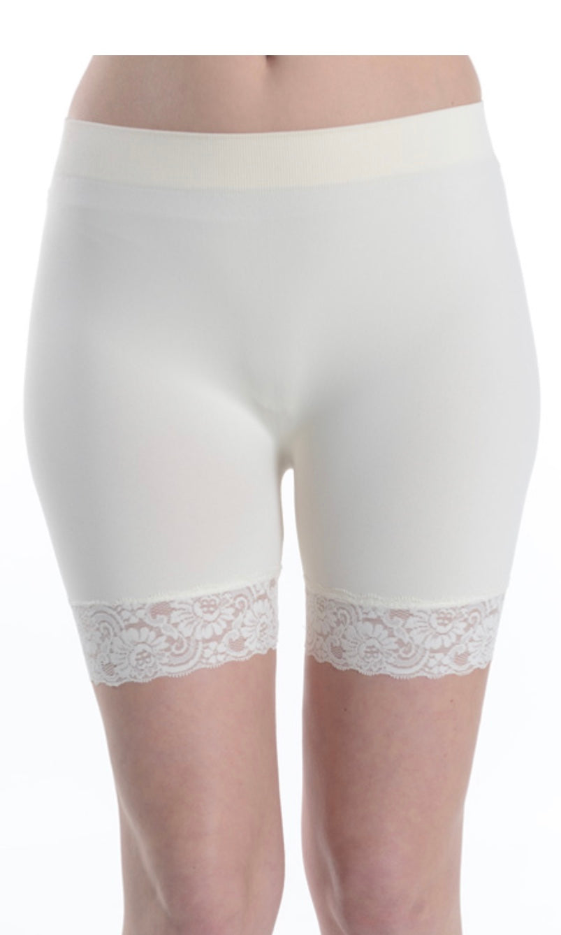 Cecilia Lace Trim Seamless S03 Shorties