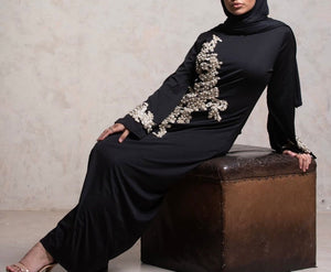 Belted Ghaada dress with embroidered sleeves