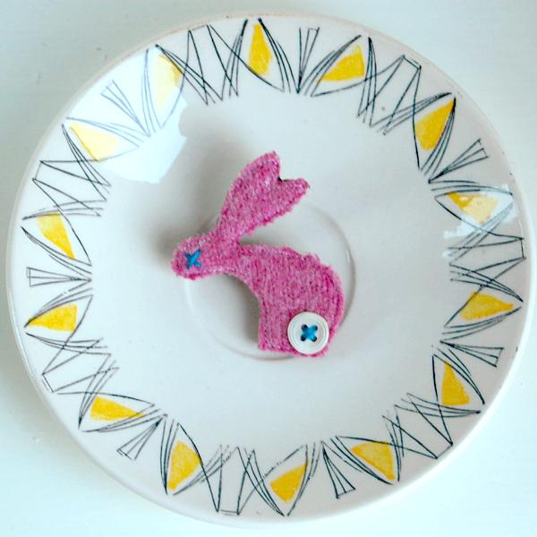 Brooch - Rabbit - Pink Wool
