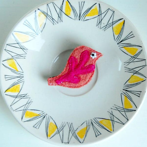 Brooch - Bird - Peach Wool