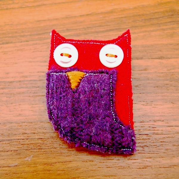 Brooch - Owl - Red and Purple Wool