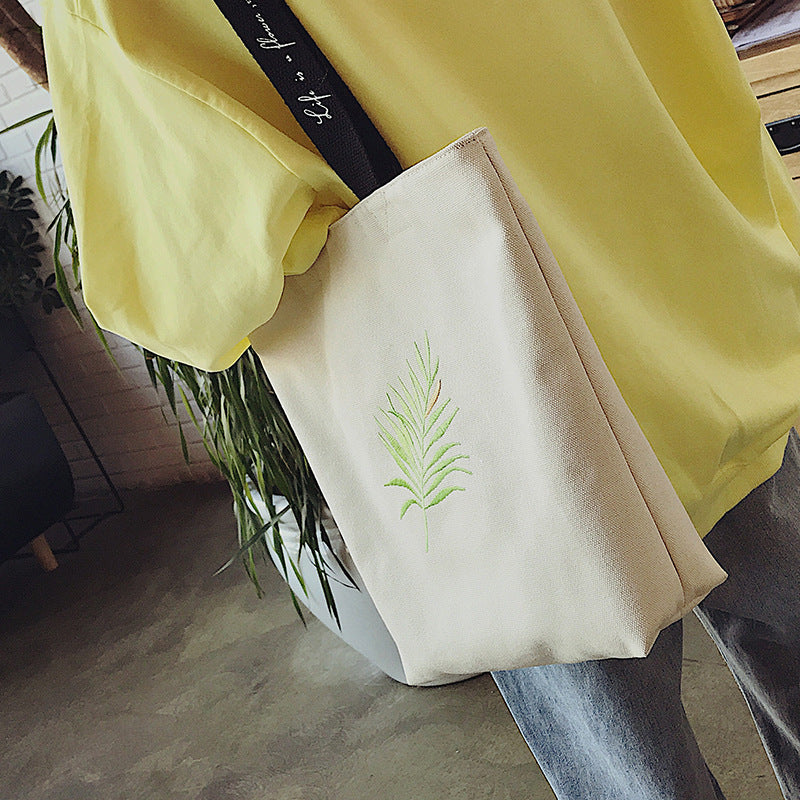Female embroidered leaves shoulder bag