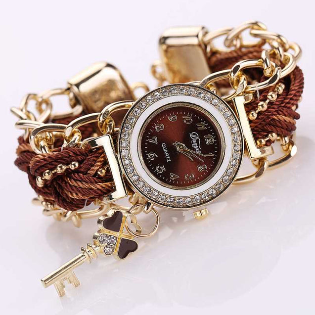 Highly Fascinating Artistic Looking Embellished Timepiece For Females