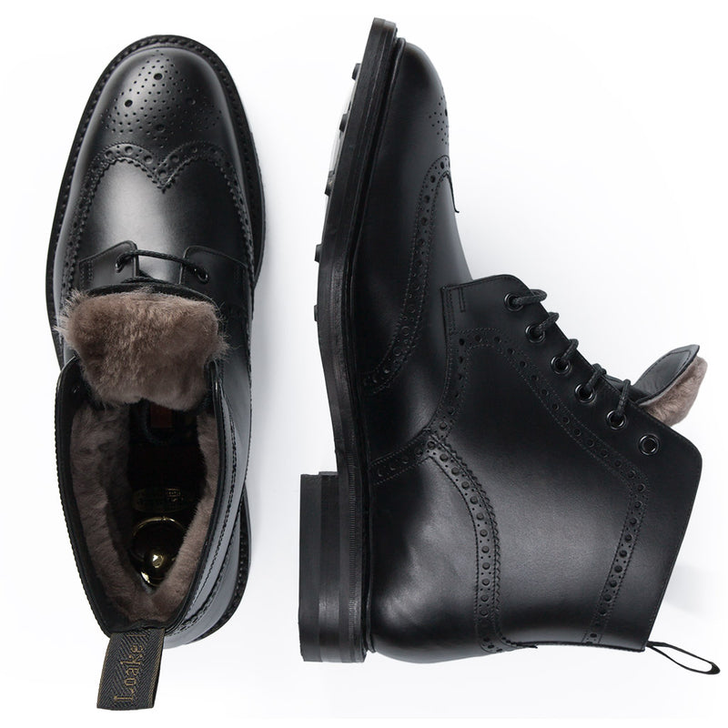 Wolf Black boots