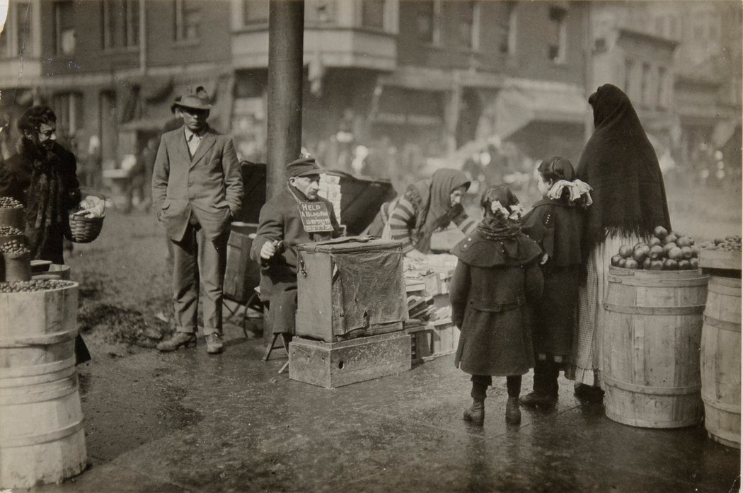 FFOTO-Lewis Hine-A Corner in the Italian Market District, Chicago