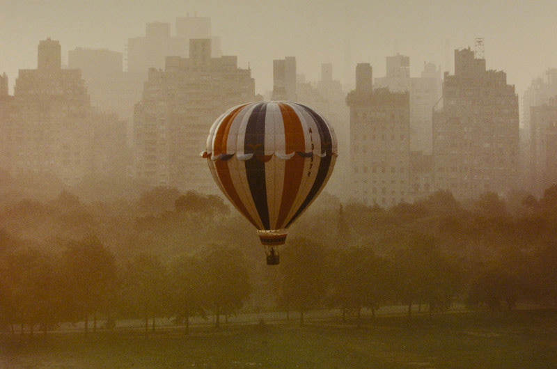 FFOTO-Ruth Orkin-Balloon, NYC