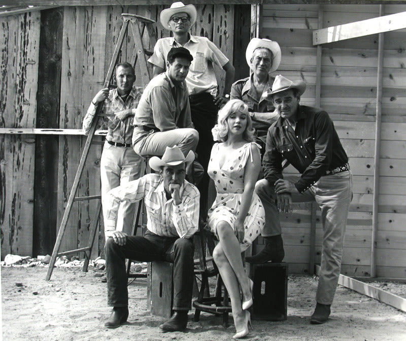 "FFOTO-Elliott Erwitt-Arthur Miller, Frank Taylor (producer), Ely Wallach, John Houston, Montgomery Clift, Marilyn Monroe and Clark Gable, ""The Misfits"" set, Reno, Nevada"