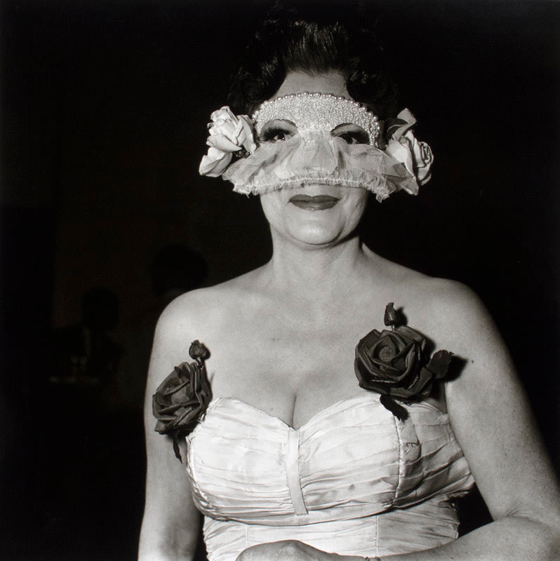 FFOTO-Diane Arbus-Lady at a masked ball with two roses on her dress, NYC