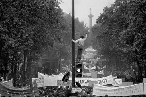 One million demonstrators walking towards the Place de la Bastille, May 13th - Bruno Barbey | FFOTO