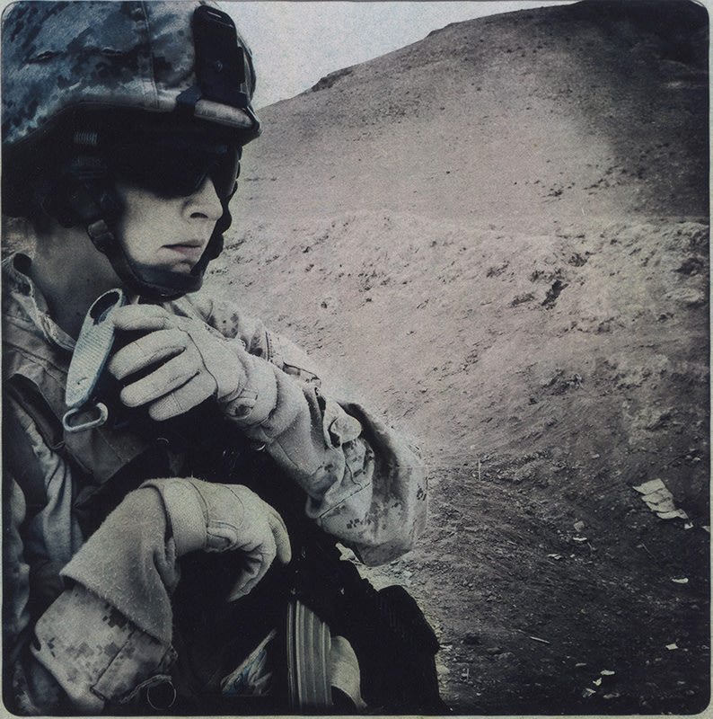 FFOTO-Rita Leistner-Close up portrait of female Marine in desert