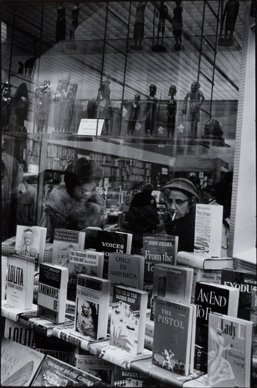 FFOTO-Inge Morath-Bookstore on Fifth Avenue, New York City