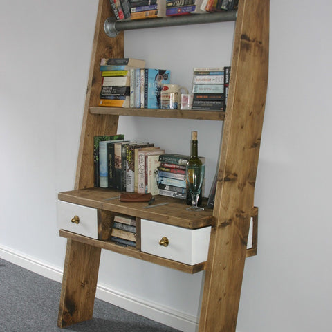 Gemma - The scaffolding board bookshelf
