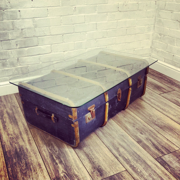 Kirstie - The vintage trunk table
