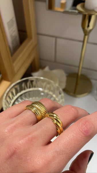 Scallop ring
