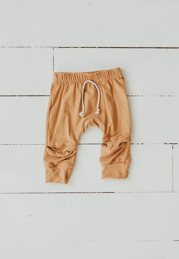 Joggers in Camel