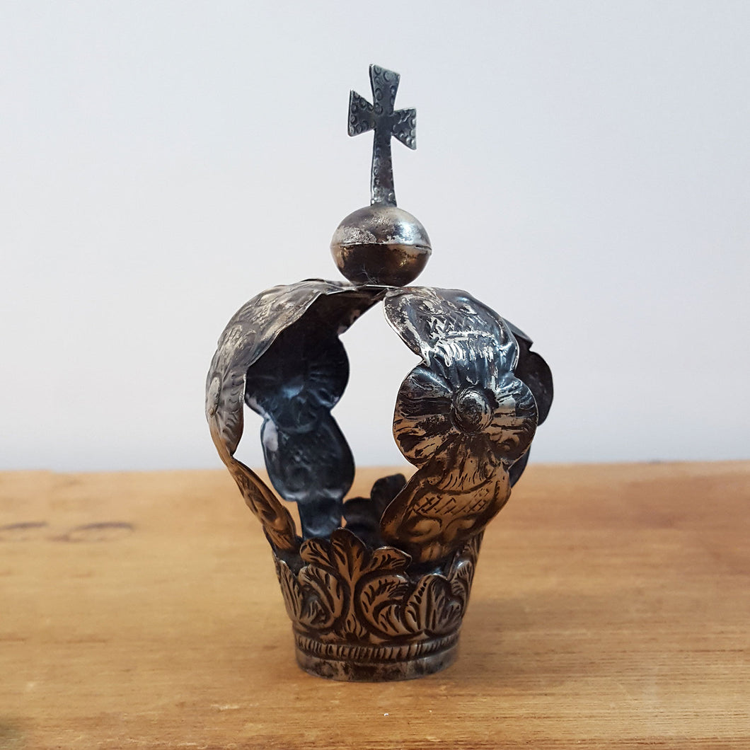Small Tin Santo Crown