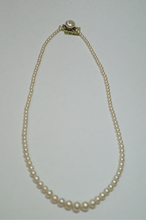 Load image into Gallery viewer, Vintage Graduated Pearl Strand