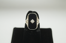 Load image into Gallery viewer, Vintage 14K White Gold Onyx