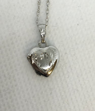 Load image into Gallery viewer, Sterling Silver Detailed Heart Locket