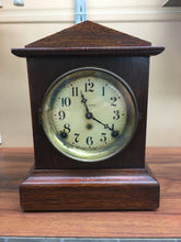 Load image into Gallery viewer, Vintage Seth Thomas Veneer Mantle Clock