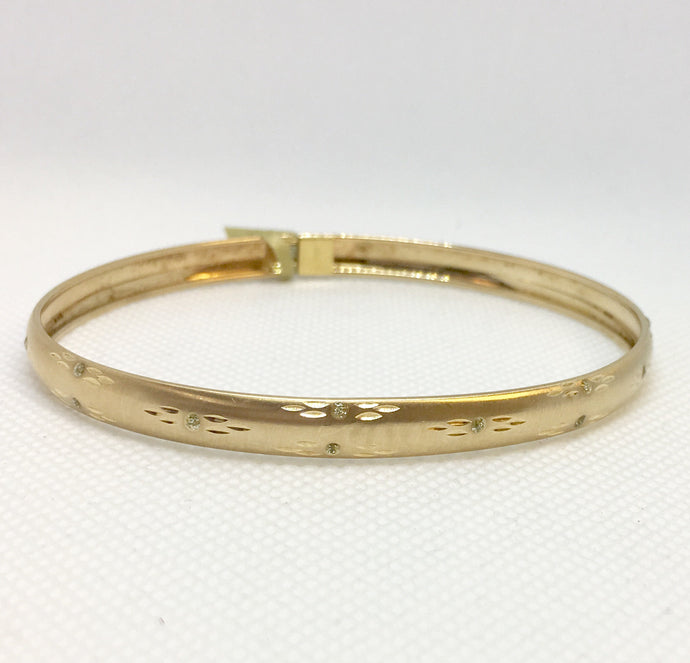 Diamond Cut Bangle Bracelet