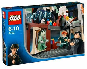 Lego HARRY POTTER #4752 Professor Lupin's Classroom - BRAND NEW & SEALEDRARE