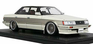 Ignition Model 1/18 Toyota Mark II Grande (GX71) White / Gold Finished Goods