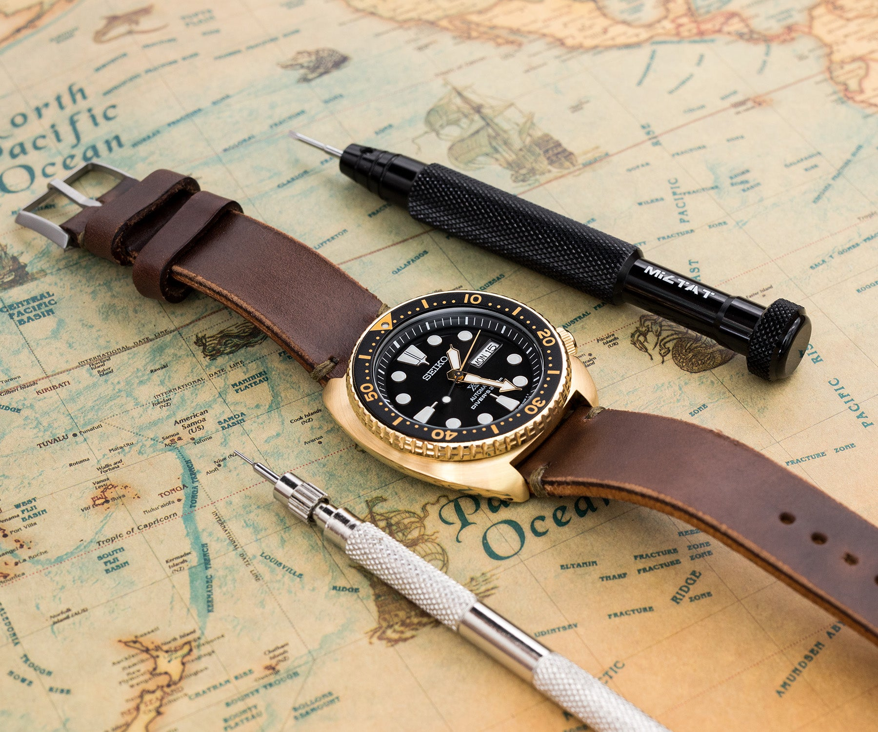 Horween Chromexcel watchstrap, Seiko SRPC44 Gold Turtle