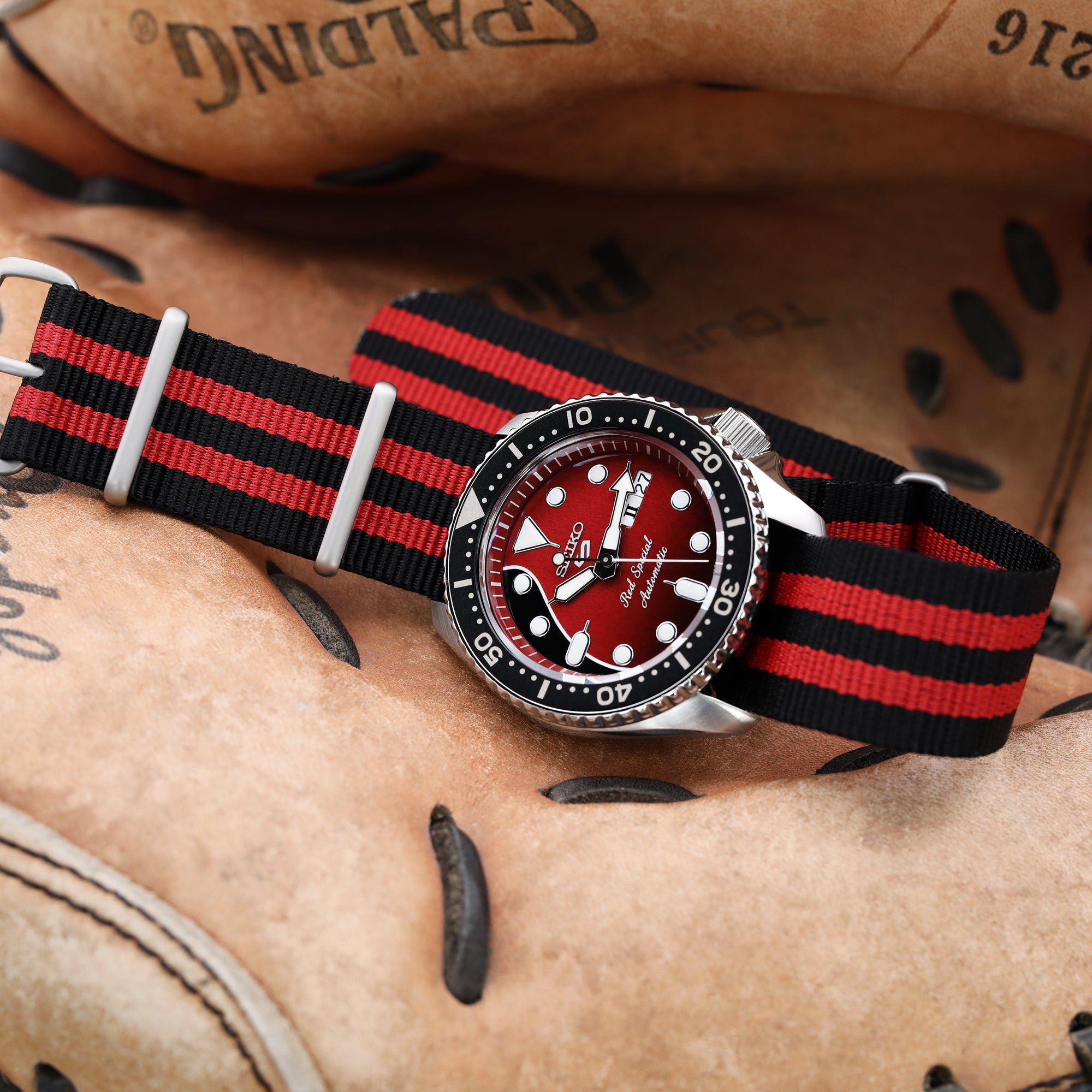18mm, 20mm, 22mm or 24mm G10 Nato James Bond Heavy Nylon Strap Brushed Buckle - J03 Double Black & Red