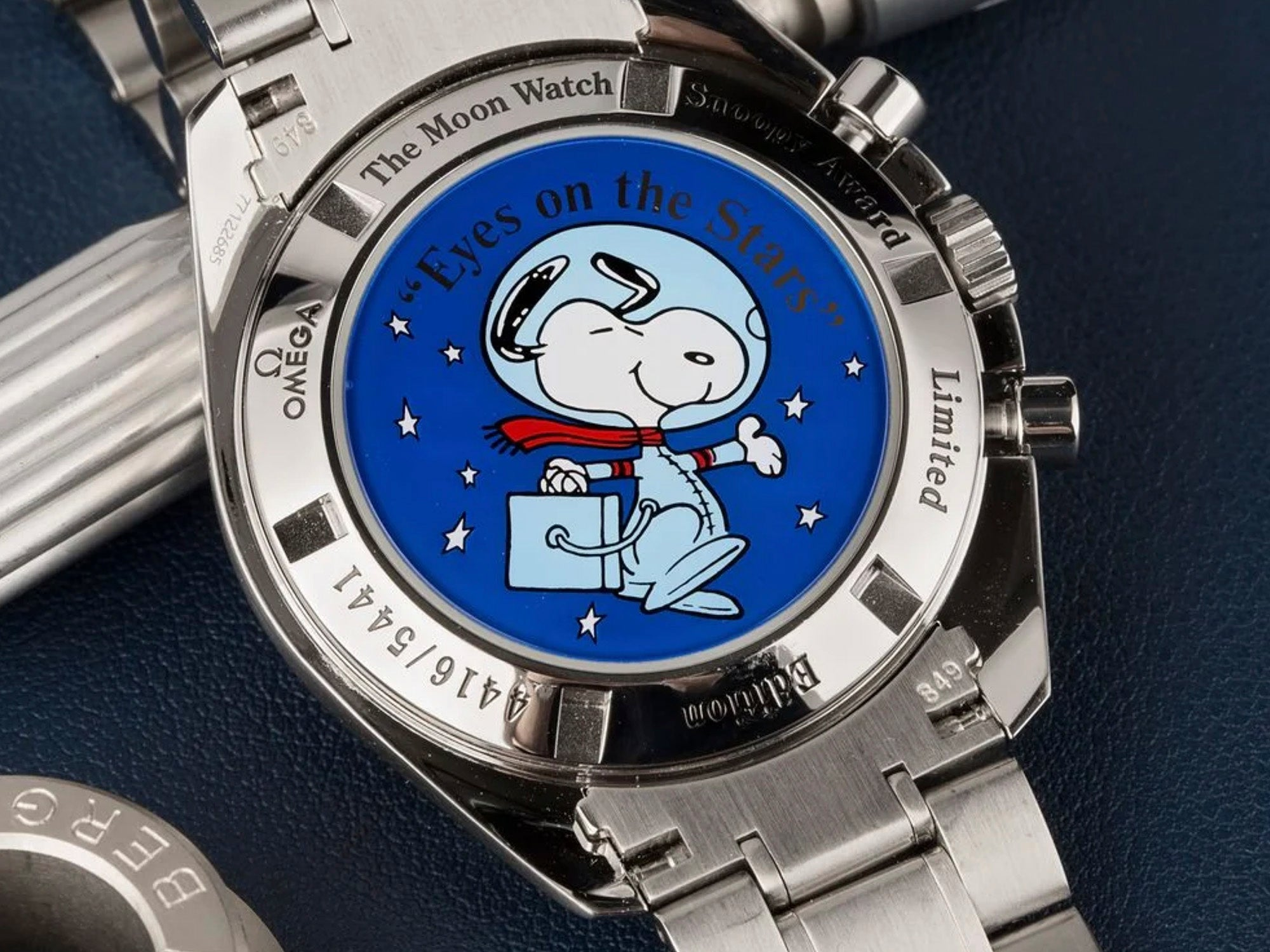 strapcode-watch-bands-Omega-2003-Snoopy-speedmaster-apollo-11-2