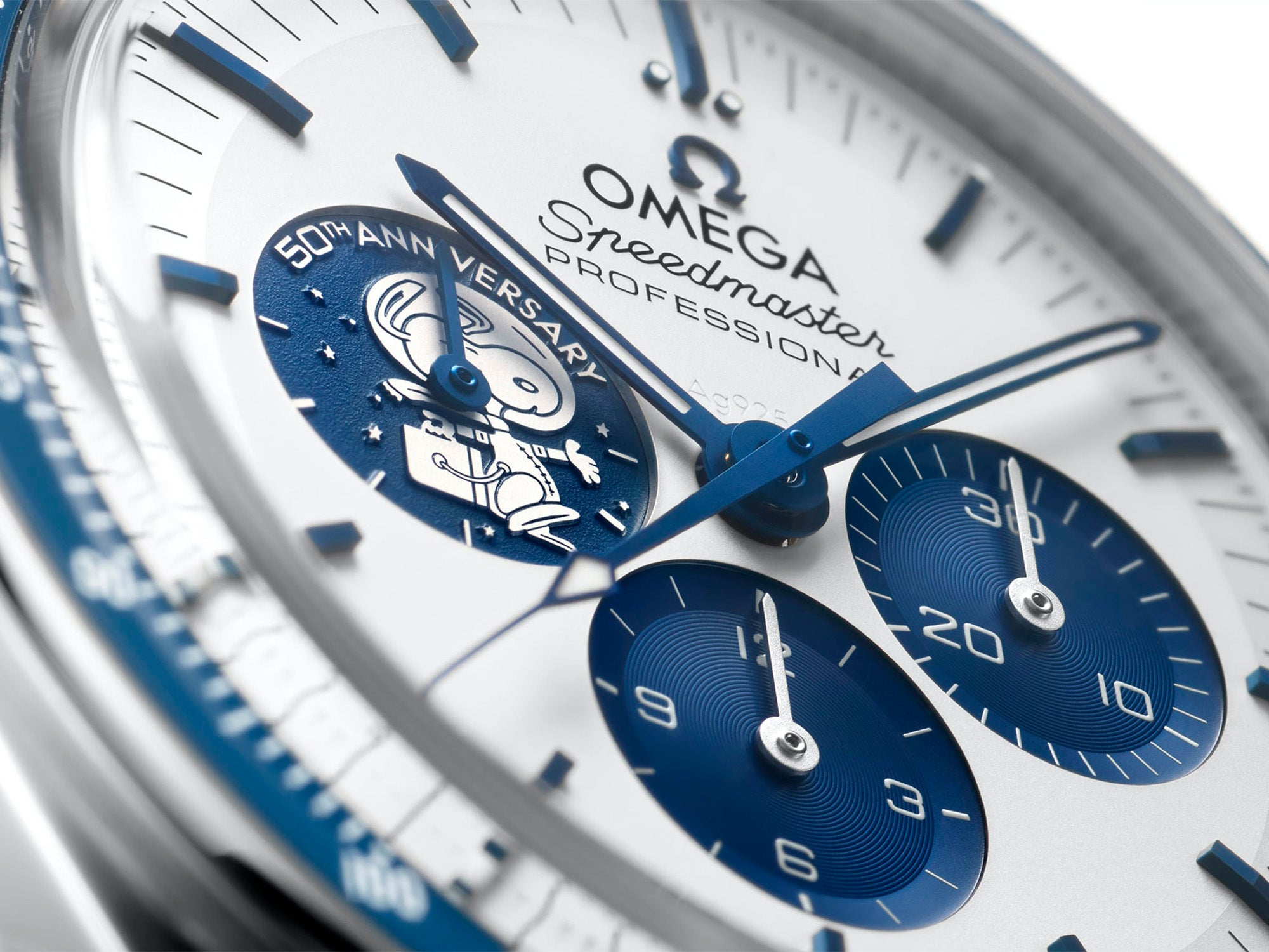 strapcode-watch-bands-Omega-40th-Snoopy-Speedmaster-2