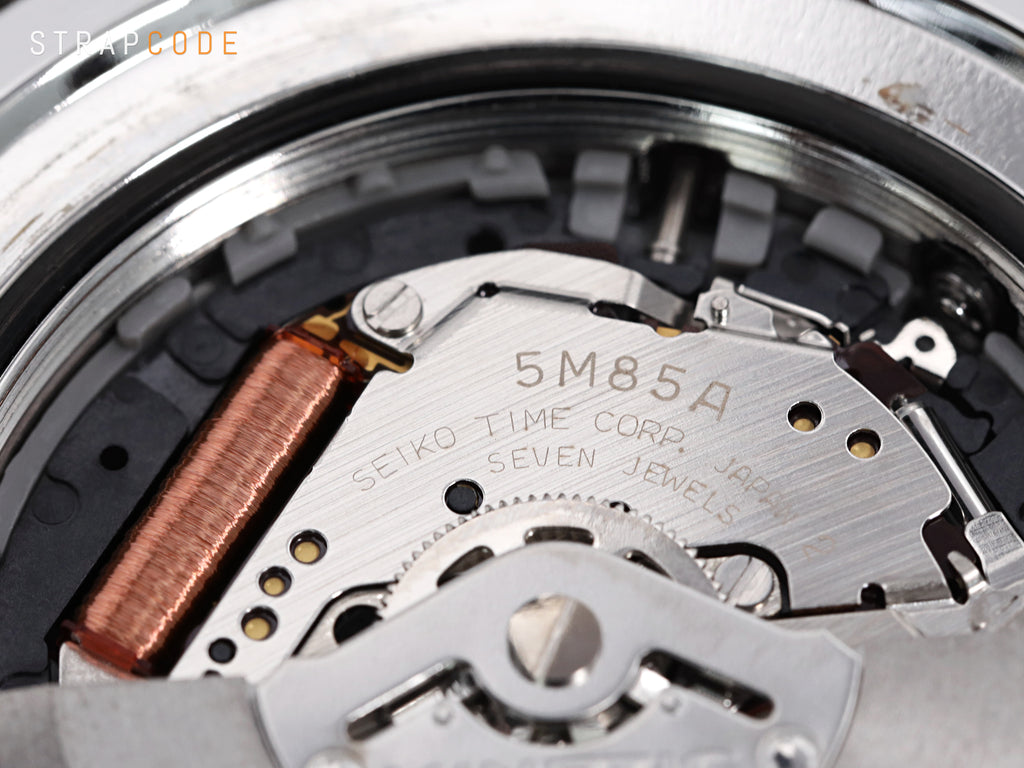 strapcode-watch-bands-inside-seiko-kinetic-caliber-5m85a-1