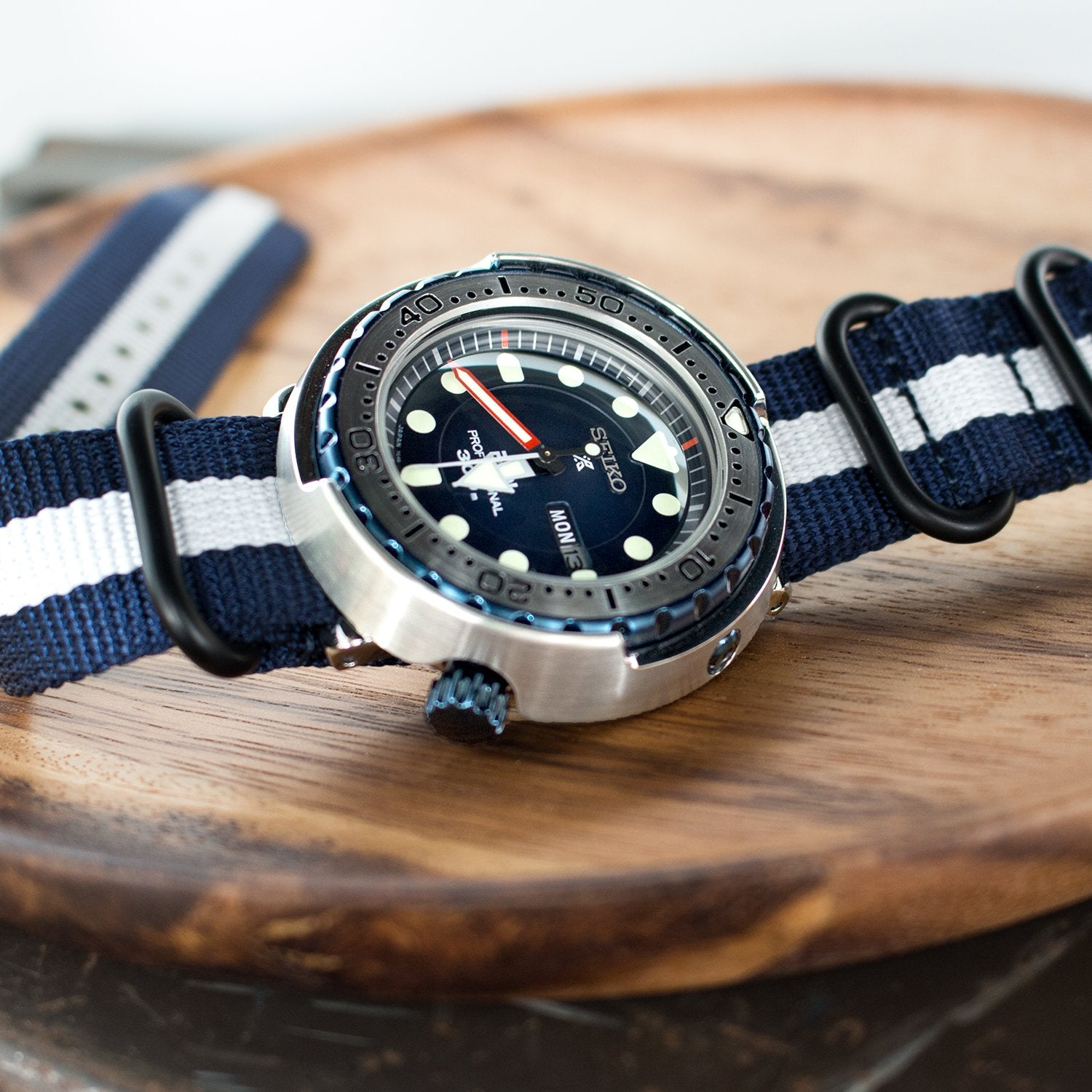 MiLTAT 22mm 3 Rings G10 Zulu Watch Strap Ballistic Nylon Armband Navy Blue & White PVD Black Buckle Strapcode Watch Bands