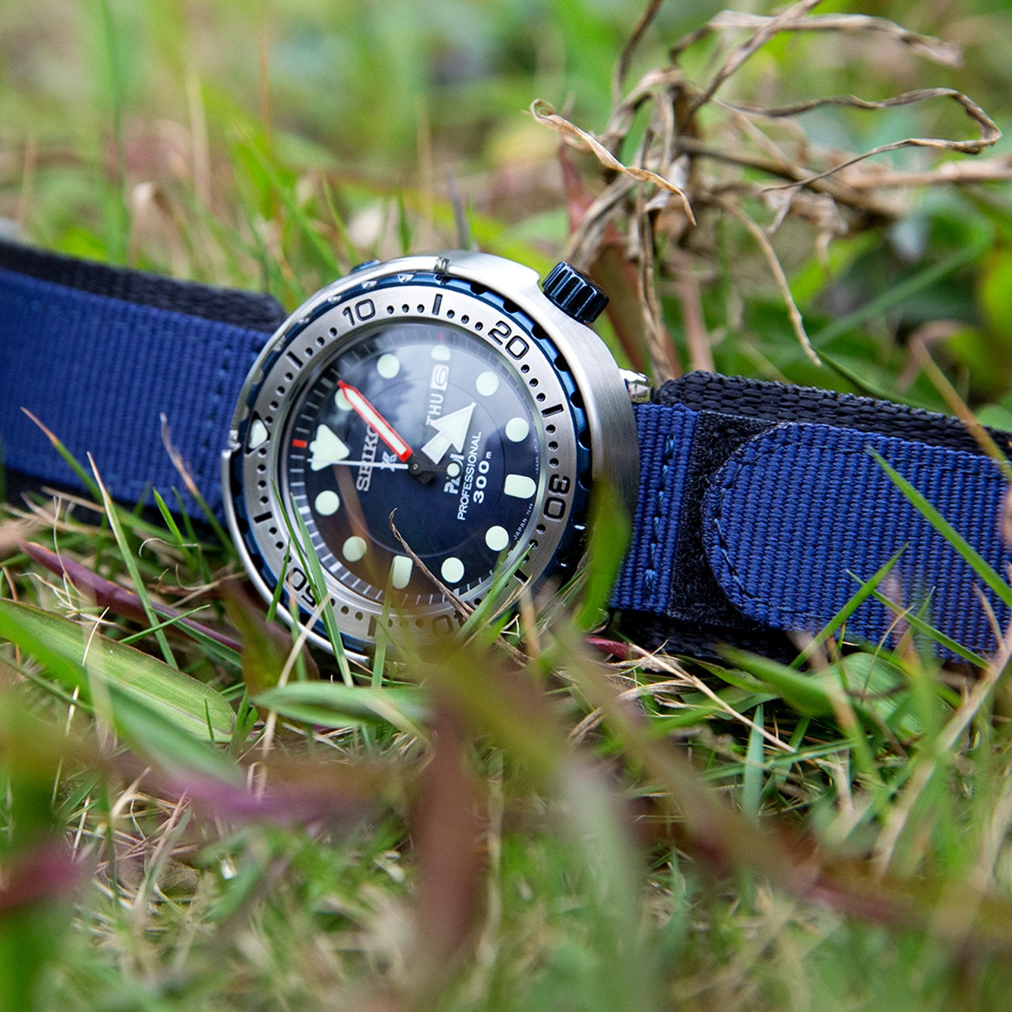 22mm MiLTAT Honeycomb Navy Blue Nylon Velcro Fastener Watch Strap Brushed Stainless Buckle Strapcode Watch Bands