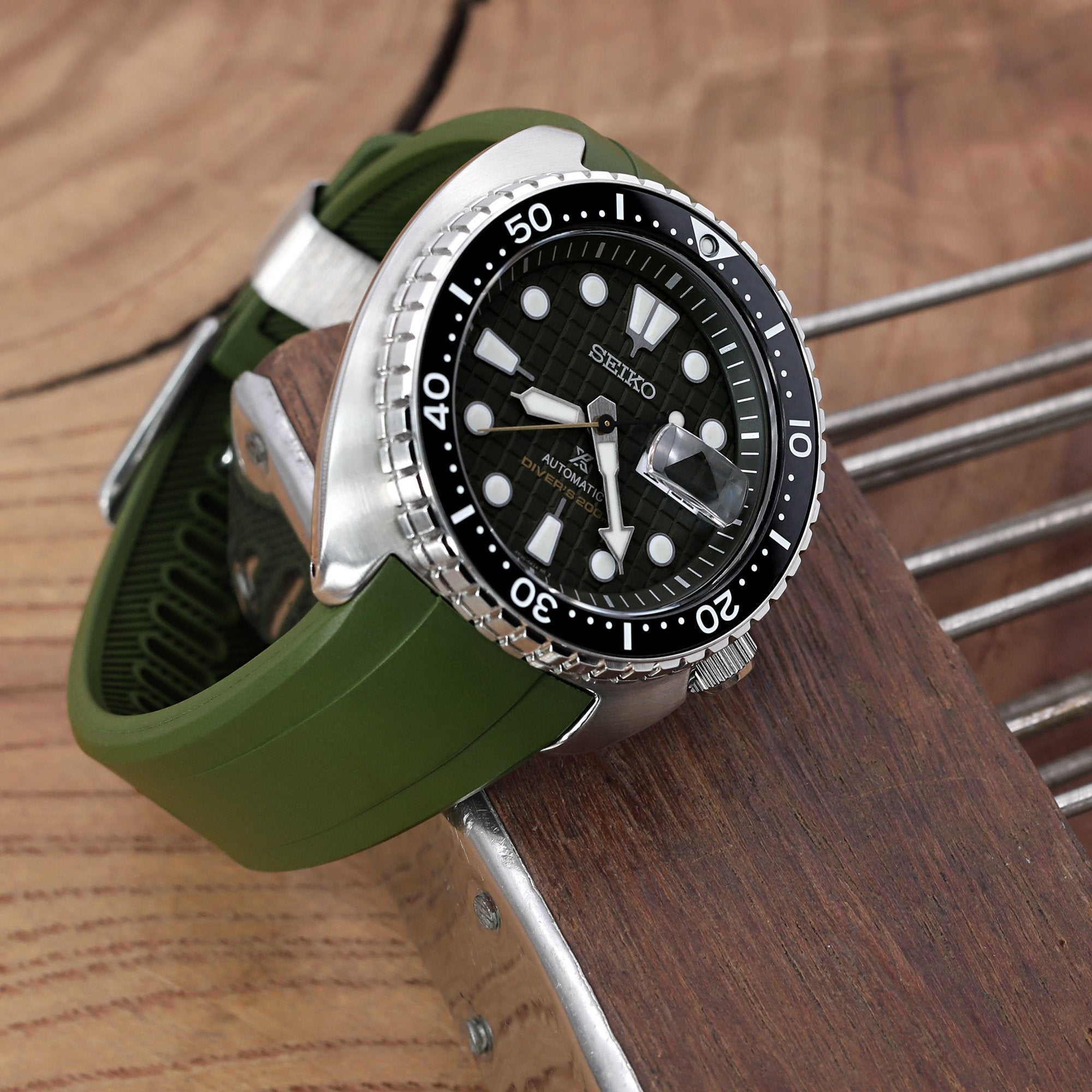 22mm Crafter Blue Military Green Rubber Curved Lug Watch Band for Seiko Turtle SRP777 Strapcode Watch Bands