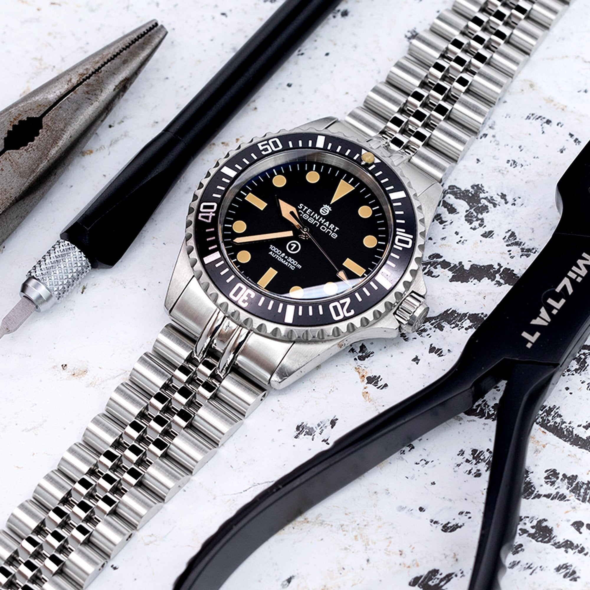 22mm Super-J Louis 316L Stainless Steel Watch Bracelet for Steinhart Sub. Black Brushed V-Clasp Strapcode Watch Bands