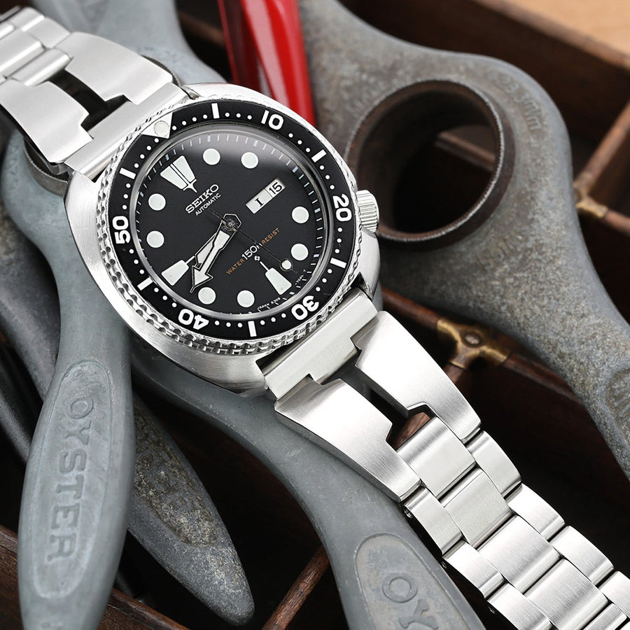 Reissue  22mm Retro Razor 316L Stainless Steel Straight End Watch Band, Wetsuit Ratchet Buckle