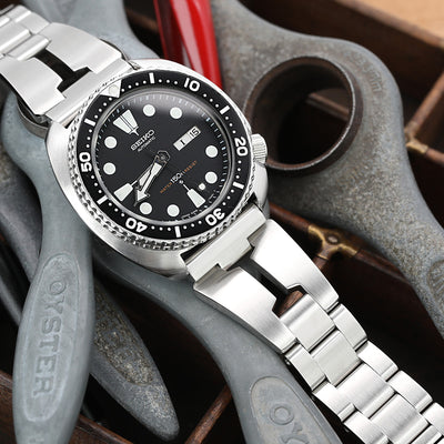 Reissue  22mm Retro Razor 316L Stainless Steel Straight End Watch Band, Submariner Diver Clasp