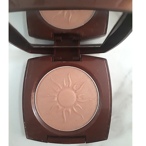 Avon Glow Bronzing Powder | Warm Glow