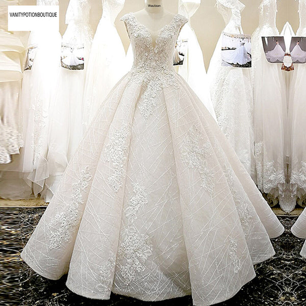 V-NECKLINE 3D FLOWERS A LINE WITH ELEGANT BEADING SKIRT WEDDING DRESS