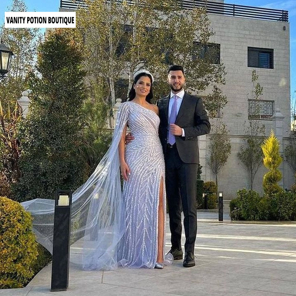 LUXURY APPLIQUES SCOOP NECK LACE UP LONG SLEEVE BEADED A-LINE WEDDING DRESS