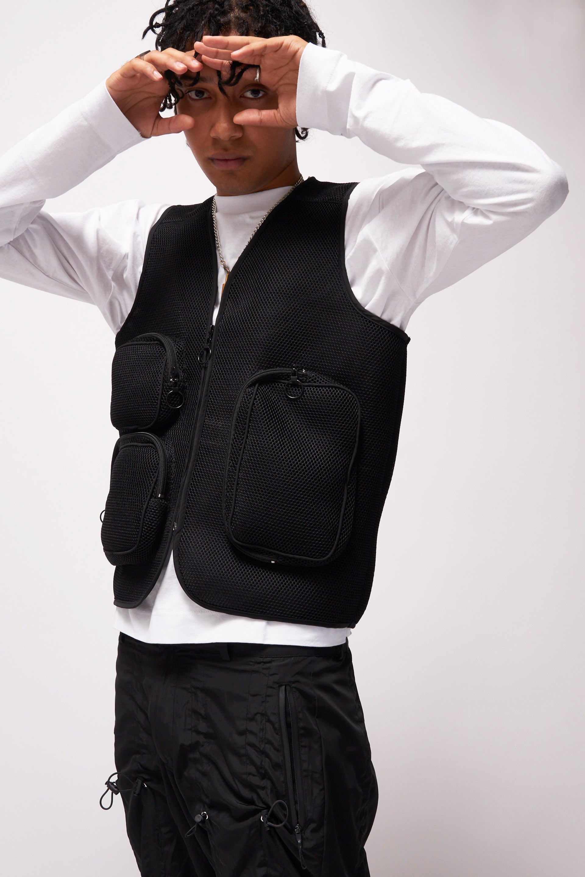 Black Mesh Utility Vest With Cargo Pockets